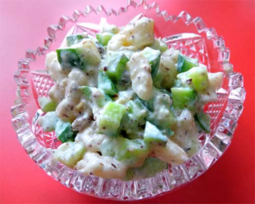 Salat iz grushi s ogurtsom