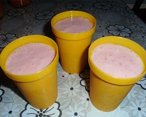 Moroshenoe iz jogurta