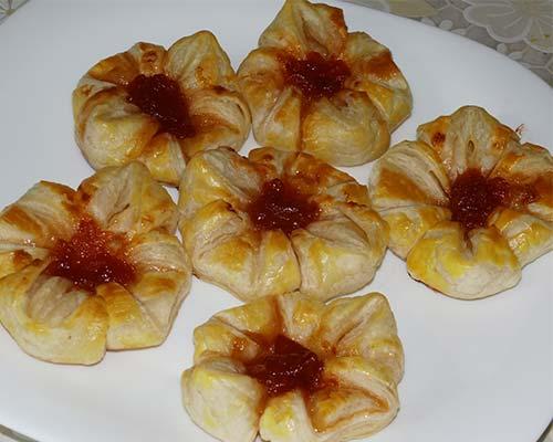 Булочки с абрикосовым вареньем 1